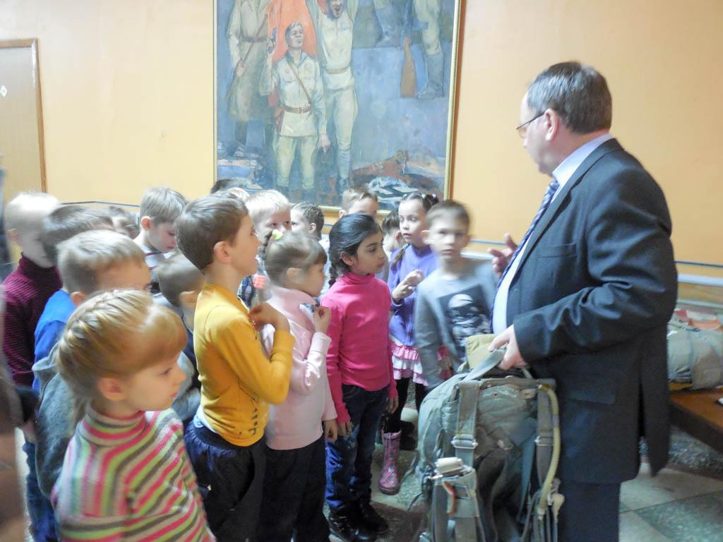 Выставка «Пристань космонавтов» встретила юных гостей в ДК «Россия»