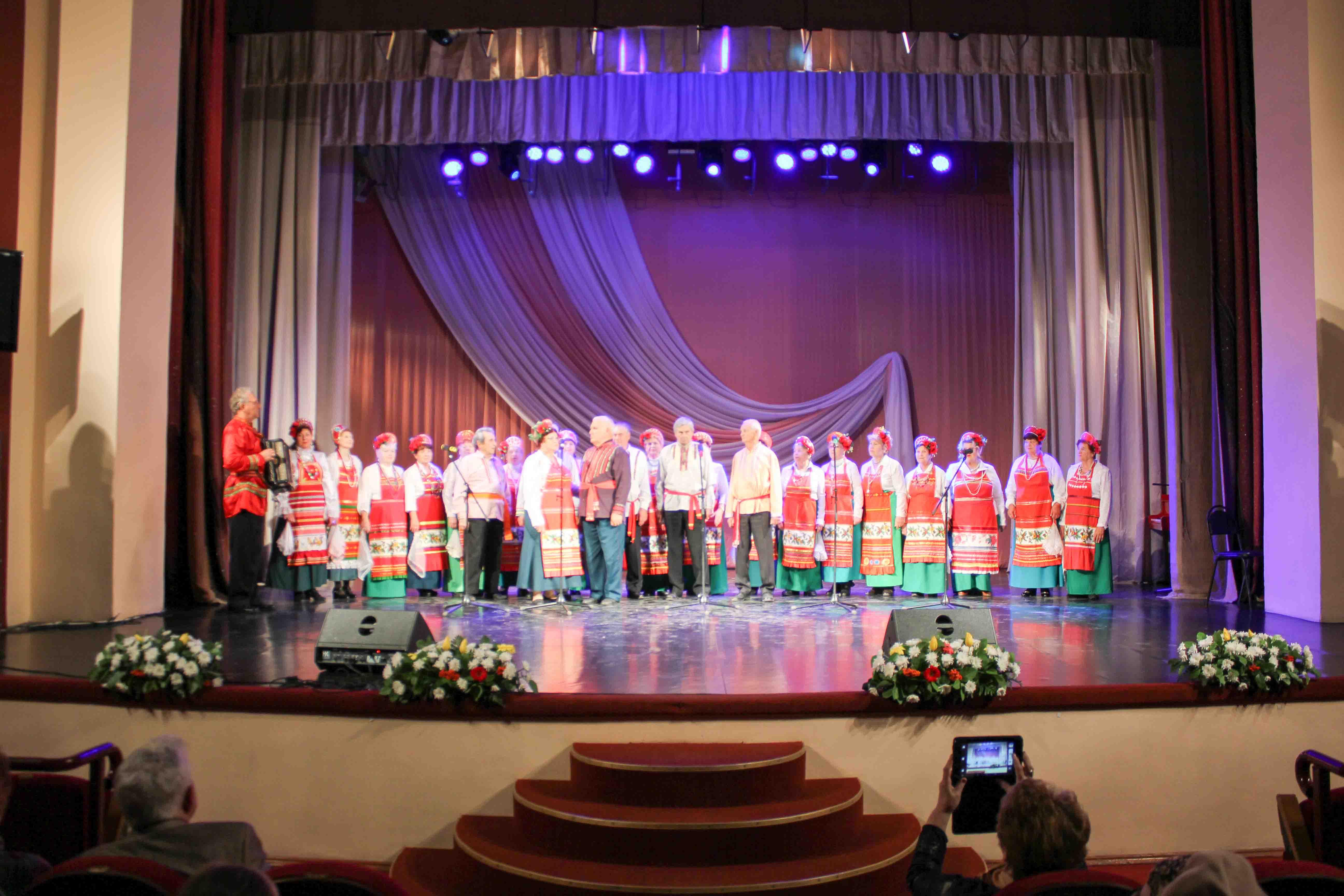 Гала-концерт Фестиваля творчества «Мои года – мое богатство» в ДК «Россия»