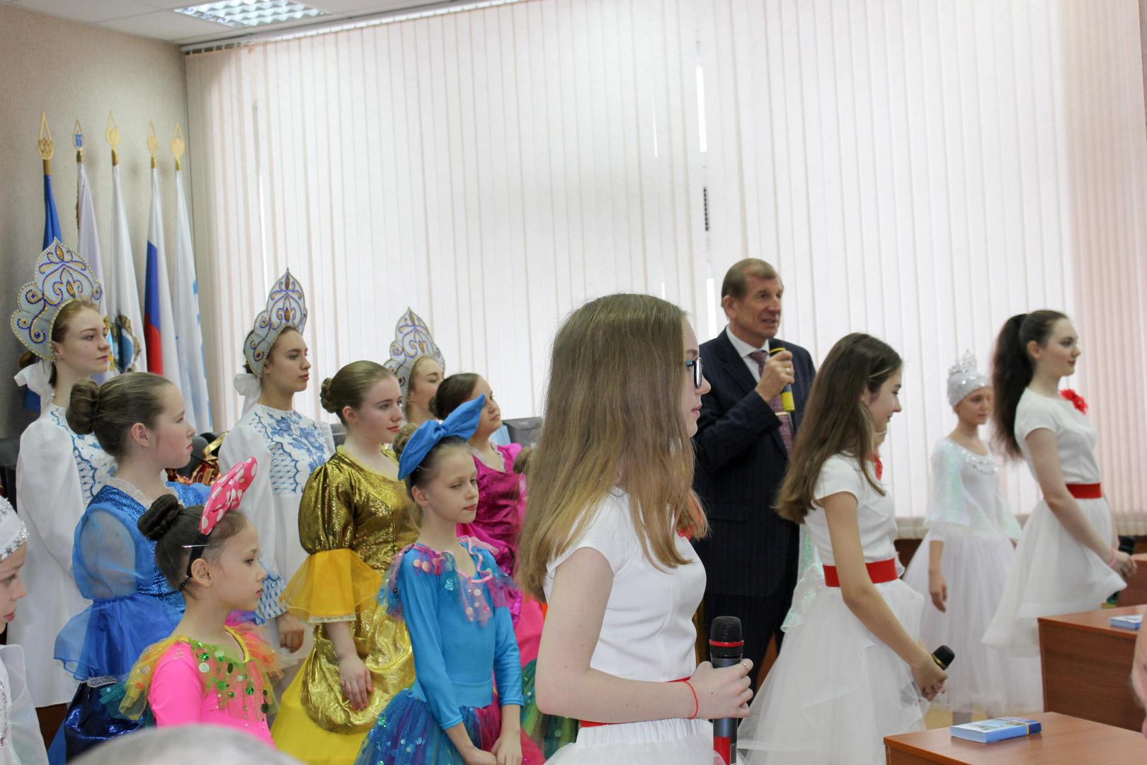ДК «Россия» поздравил сотрудников СЭПО с Новым 2019 годом!