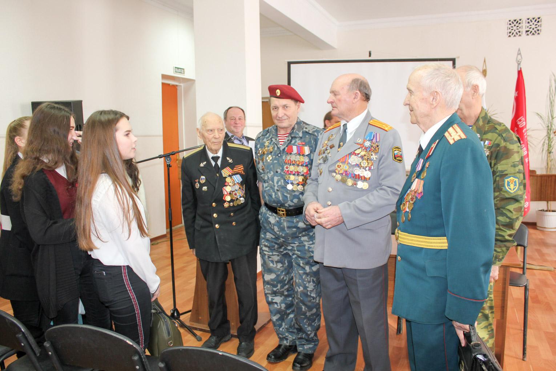 «Урок мужества» для школьников Ленинского района г. Саратова