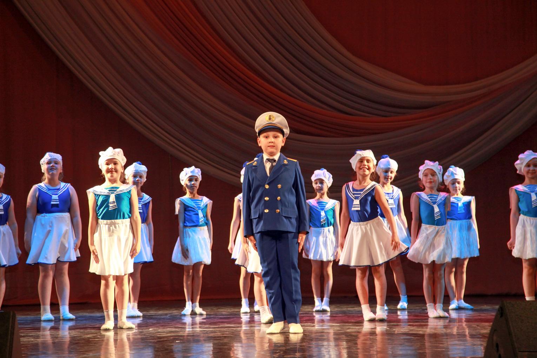 Отчетный концерт ансамбля современного эстрадного танца «Серпантин»
