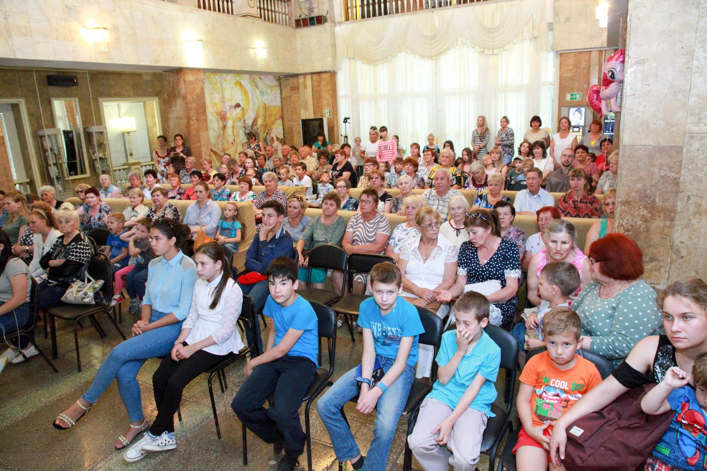 Концерт в День семьи, любви и верности в ДК «Россия»