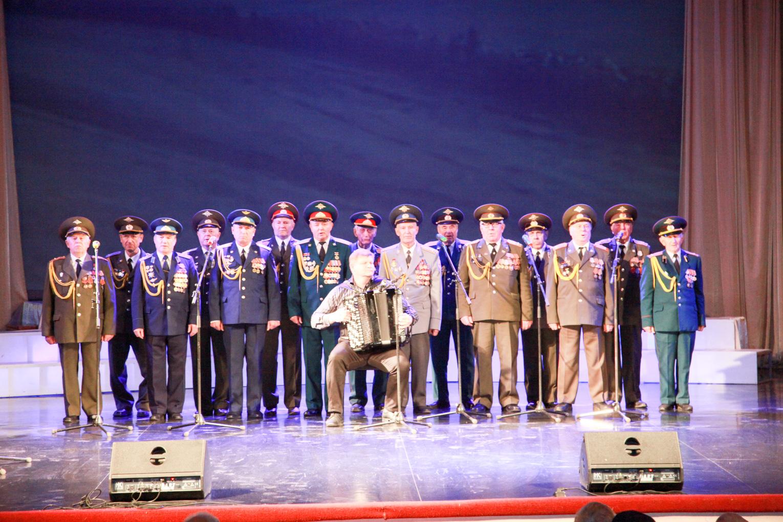 В ДК «Россия» поздравили с праздником страшее поколение