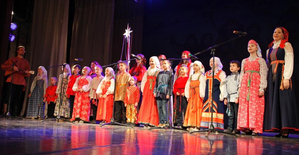 Областной фестиваль детского творчества «Рождественские колокола» в ДК «Россия»
