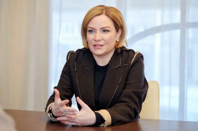 Министр культуры РФ Любимова Ольга поздравляет всех с Новым годом!
