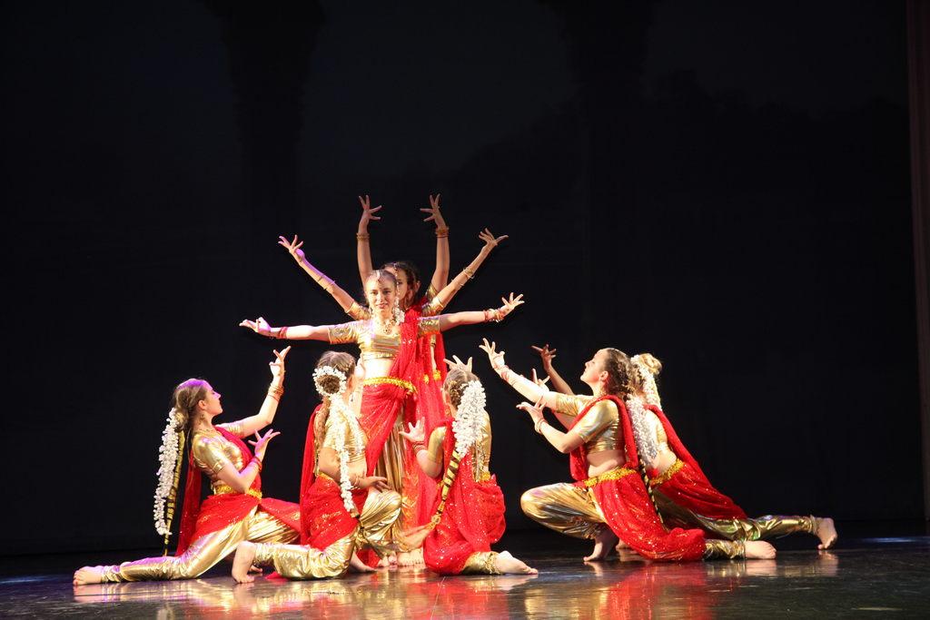Отчётный концерт «Краски Востока» «Народного коллектива» ансамбля восточного танца «Васанти»